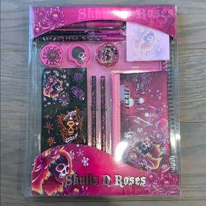 2/$20 NEW - Skulls N Roses Themed Stationary Set